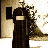 Oscar_Romero_during_his_stay_in_Rome.th.jpg