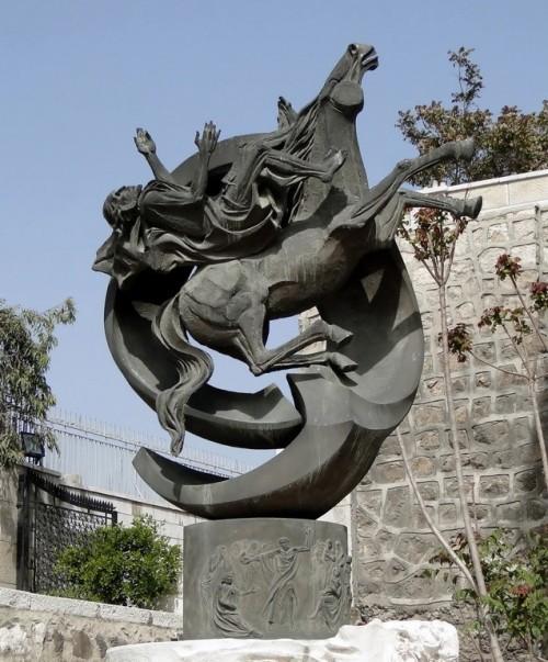 Statue_of_Saint_Paul_Damascus_resize.jpg