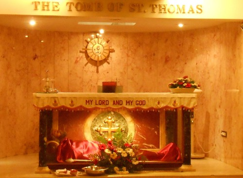 Tomb_of_St._Thomas_in_India.jpg