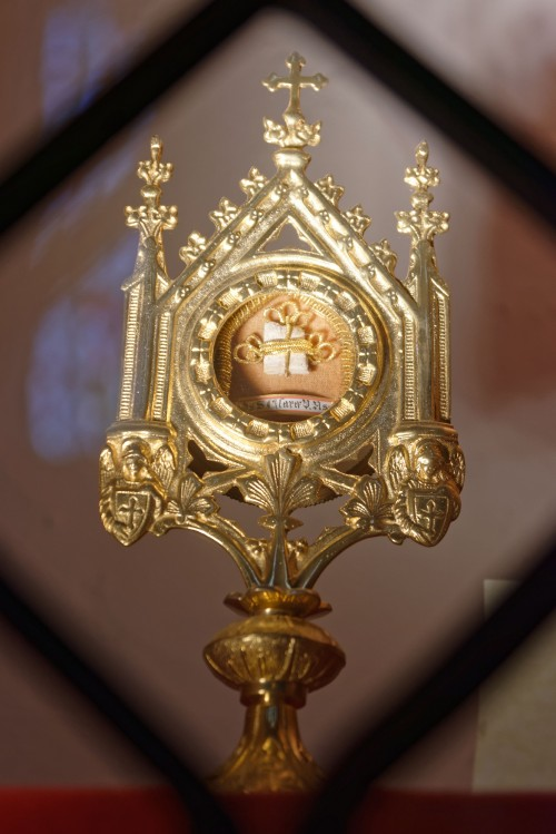 St._Jakobus_Rudesheim_Reliquiar_der_Heiligen_Klara_von_Assisi_KSG_8218_pK.jpg