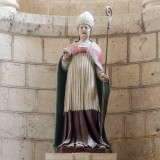 Statue_de_lEglise_Saint-Hilaire_le_Grand_5_resize