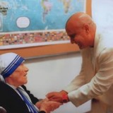 Sri-Chinmoy-Mother-Teresa.th.jpg