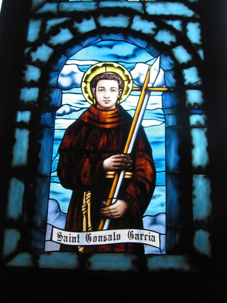 Gonzalo_Garcia_Window_pane_in_the_Cathedral_of_Pune.jpg