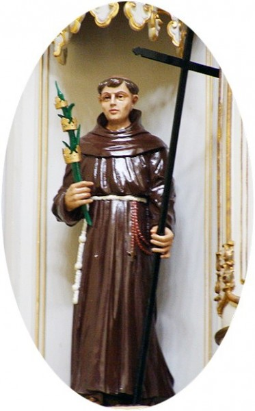 """Jordanbruno89. [<a href=""""https://creativecommons.org/licenses/by-sa/3.0"""">CC BY-SA 3.0</a>], <a href=""""https://commons.wikimedia.org/wiki/File:Statue_of_St_Gonsalo_Garcia_of_Bassein,_India_-_20120620.png""""  target=""""_blank"""">via Wikimedia Commons</a>"""