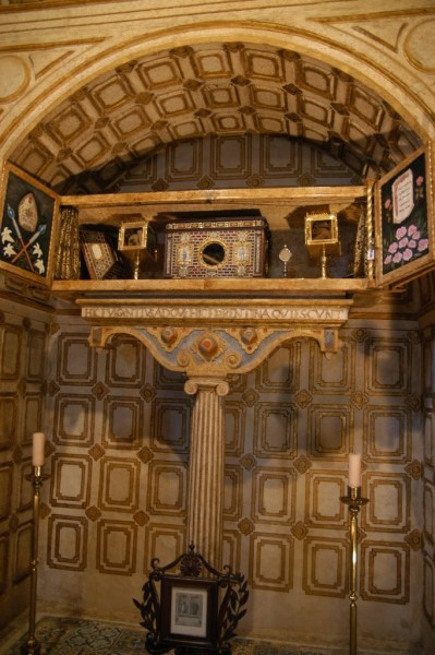 Relics-of-St.Fulgentius-and-St.Florentina.jpg