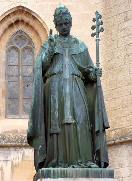 Statue_Urbain_V.jpg