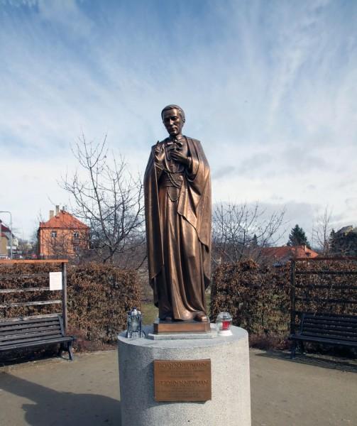 Saint_John_Neumann-statue.jpg