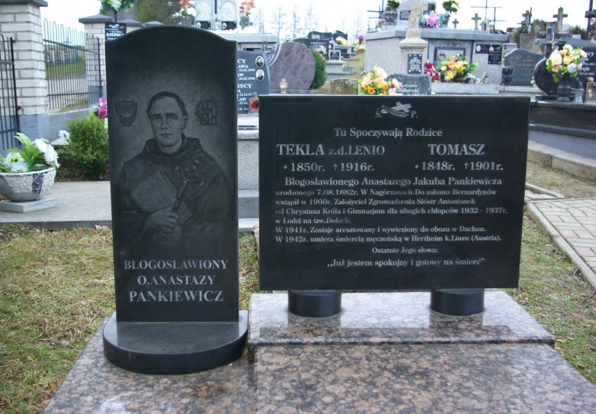 Tomb_of_Tekla_and_Tomasz_Pankiewicz_at_Cemetery_in_Nowotaniec_board_including_their_son_blessed_Anastazy.jpg