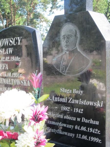 symbolic-grave-of-Antoni-Zawistowski.jpg