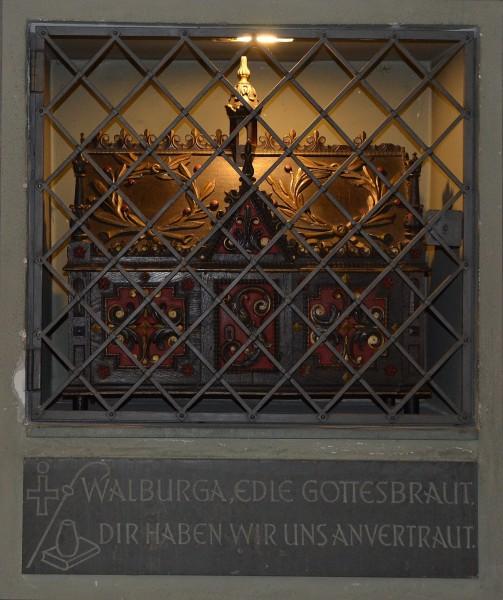 Reliquienschrein_hl._Walburga.jpg
