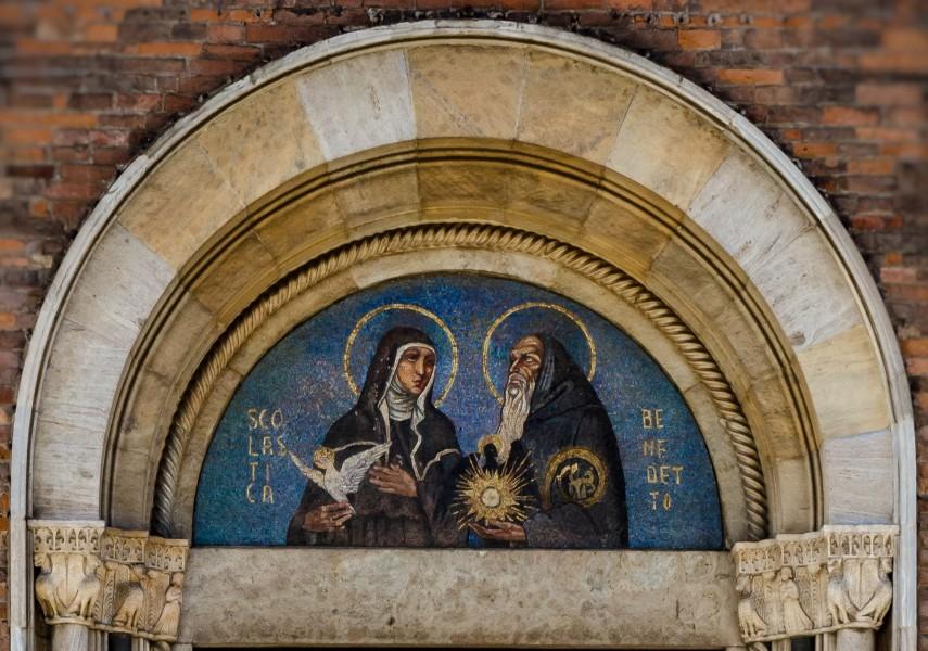 Mosaique_de_Sainte_Scholastique_et_Saint_Benoit_San_Simpliciano_Milano.jpg