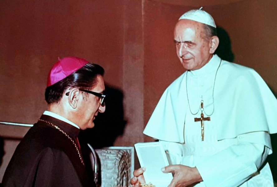 Monsignore_Rovida_and_Pope_Paul_VI.jpg