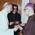 Oscar_Arnulfo_Romero_meets_Pope_Paul_VI