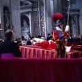 Paulus_VI_body_showing_inside_the_Vatican_1