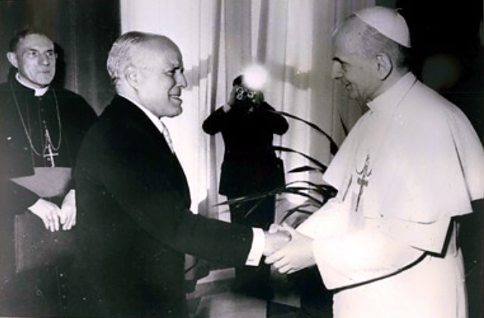 President_Bourguiba_and_pope_Paul_VI.jpg