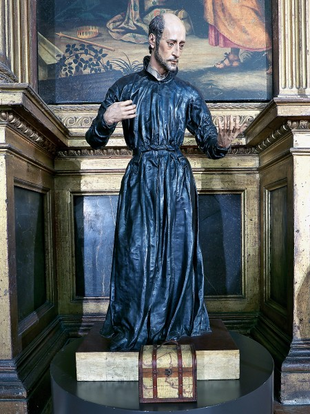 """Statue of Saint Francisco de Borja in the Church of the Annunciation (Seville). Juan Martínez Montañés carves in wood, polychrome by Francisco Pacheco  <a href=""""https://commons.wikimedia.org/wiki/File:San_Francisco_de_Borja,_Iglesia_de_la_Anunciaci%C3%B3n_(Sevilla).jpg"""" title=""""via Wikimedia Commons"""" target=""""_blank"""">Juan Martínez Montañés</a> / <a href=""""https://creativecommons.org/licenses/by/3.0"""" target=""""_blank"""">CC BY</a>"""